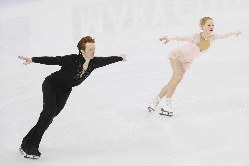 Тарасова и Морозов лидируют после короткой программы в финале серии Гран-при