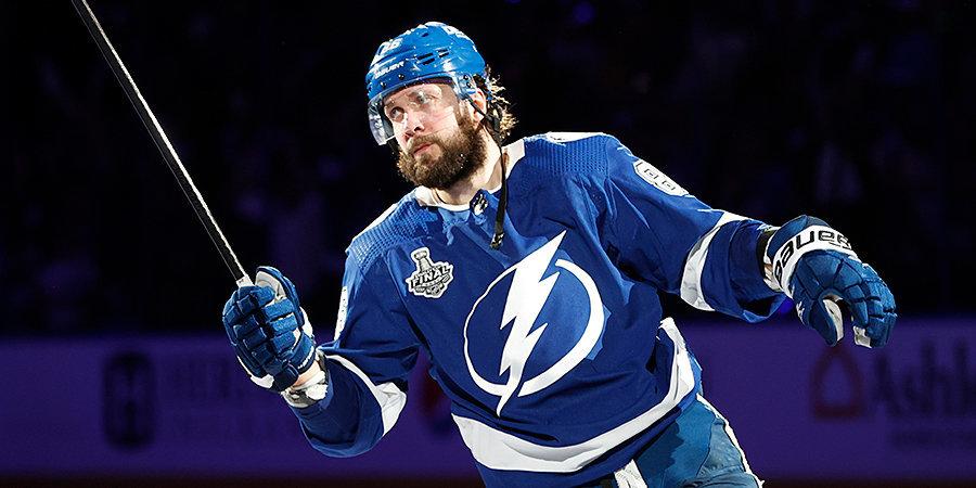 Кучеров и Панарин вошли в топ-10 игроков НХЛ