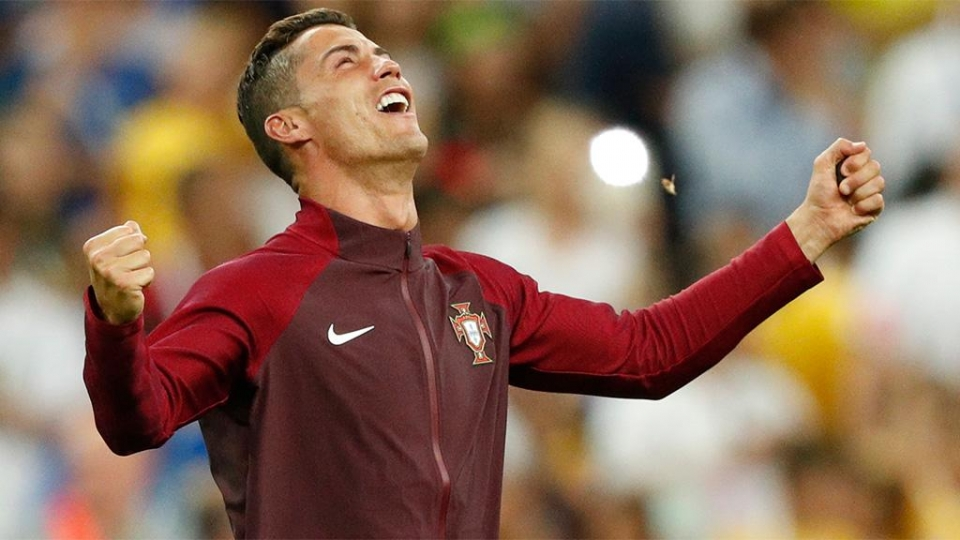Роналду получил награду Globe Soccer Awards как лучший футболист года