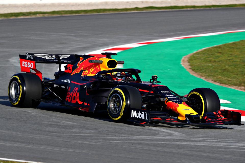 «Ред Булл» установил новый мотор на машину Ферстаппена