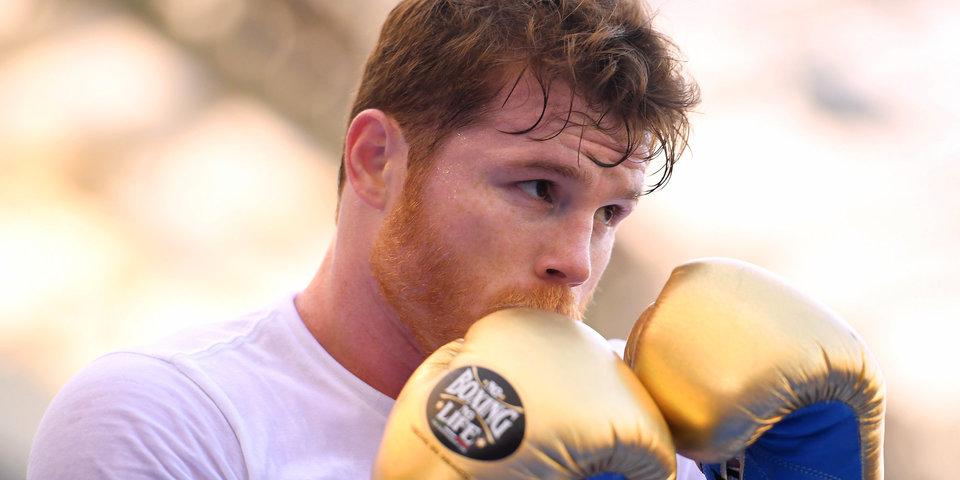 Сауль Альварес готов провести бой с экс-чемпионом UFC Вудли