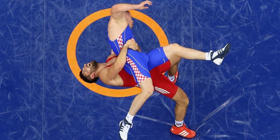 В Краснодаре на турнире по борьбе произошла массовая драка