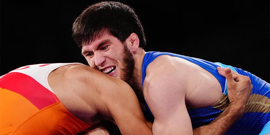 «Сказал судье, что соперник кусается, показал кровь на руке». Угуев — о золотом финале Игр-2020, жесткая Коблова — о потере бронзы