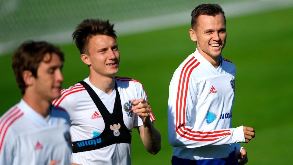 Головин и Черышев обошли Дзюбу в списке лучших игроков года