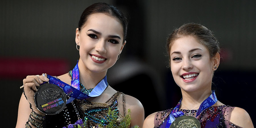 Загитова и Косторная вернулись с Гран-при Японии без коньков и костюмов
