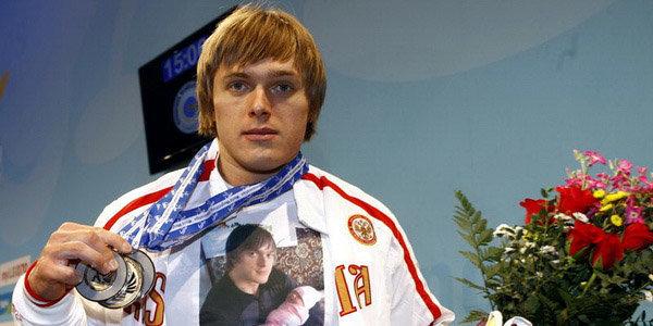 Сборную России по тяжелой атлетике отстранили на год. За что?