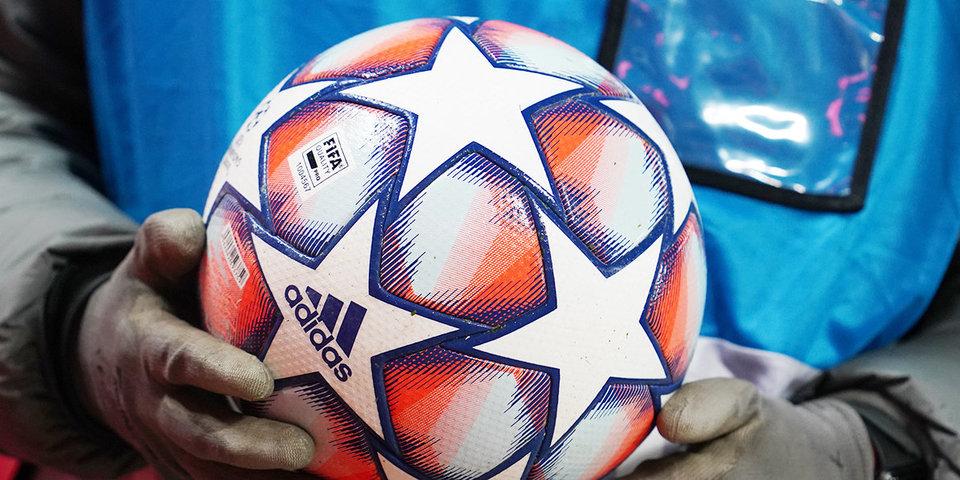 В Англии расследуют свист фанатов в адрес вставших на колено футболистов