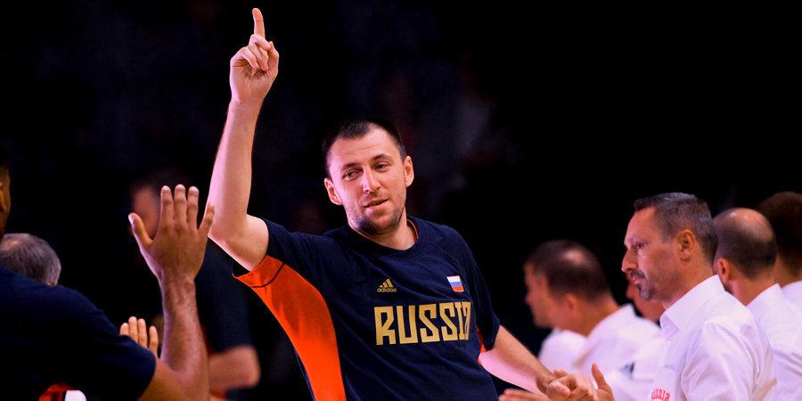 «Ты MVP, забил больше всех, сегодня проставляешься». Фридзон объясняет, почему в сборной России нет дедовщины