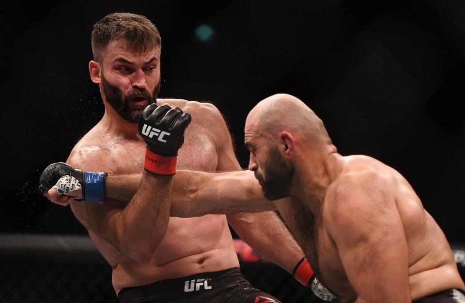 Орловский выступит на UFC 244