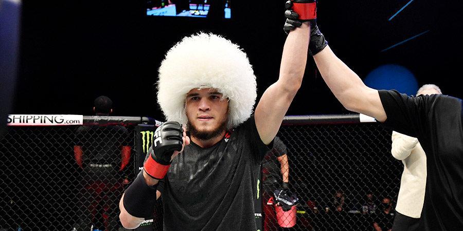 Нурмагомедов получил бонус от UFC за бой вечера