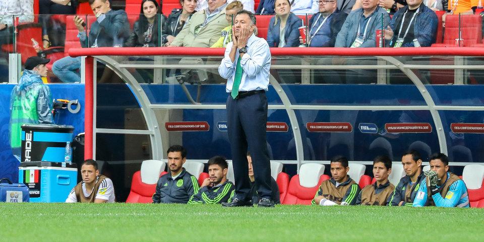 Главный тренер сборной Мексики дисквалифицирован на 6 матчей за поведение в Москве