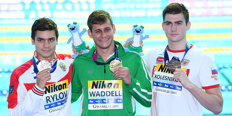 «Я месяц провел на койке без тренировок…» Он вернулся в плавание после страшной болезни — и взял медаль чемпионата мира