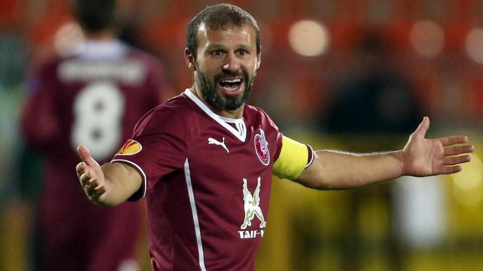 Карадениз произвел символическое вбрасывание в матче «Ак Барс» — «Салават Юлаев»