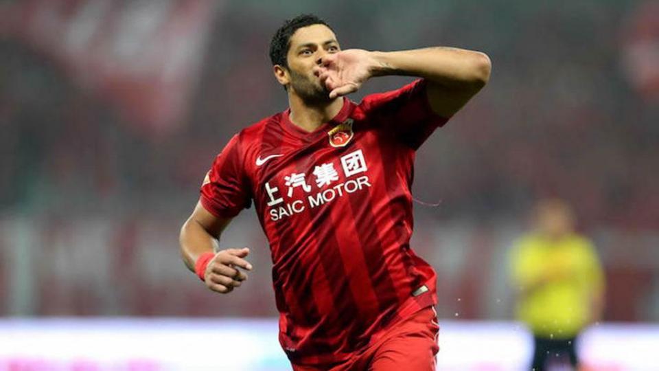 «Зенит» поздравил Халка с чемпионством в Китае