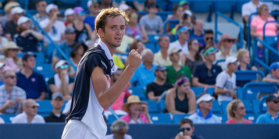 Медведев остался пятым в чемпионской гонке ATP