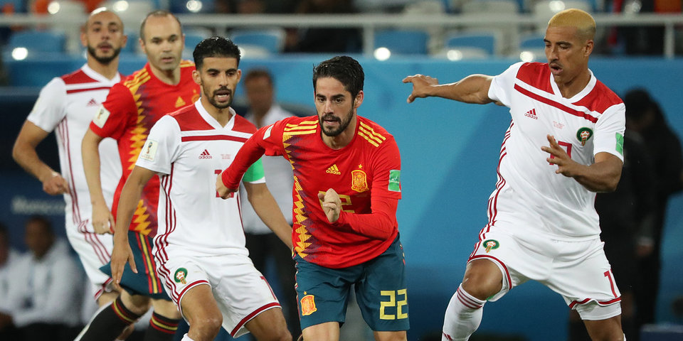 Сборная Испании ушла от поражения в матче с Марокко и вышла на Россию в 1/8 финала ЧМ