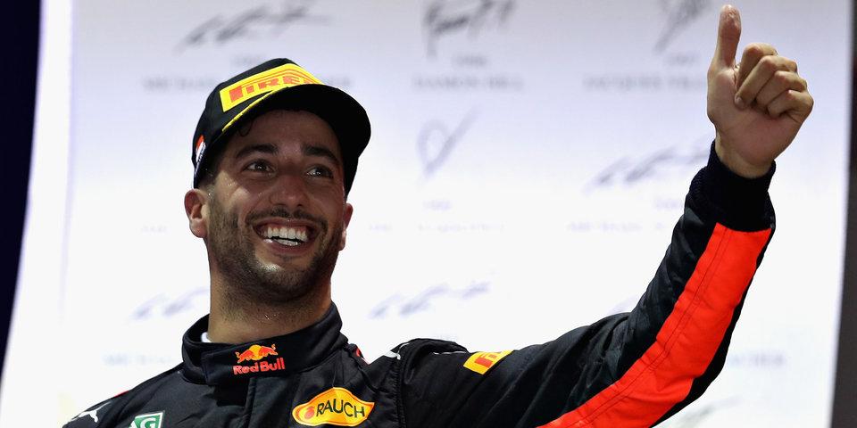 Риккьярдо установил рекорд, Сироткин заглох на трассе в Барселоне