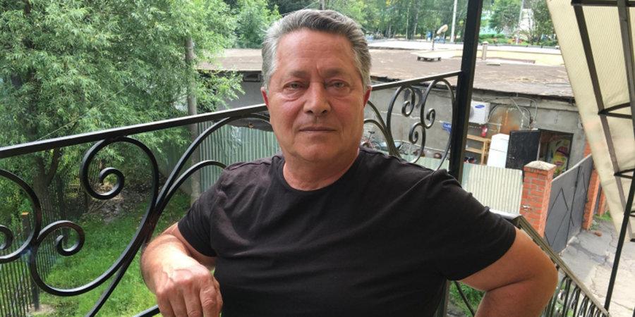 «Романцев ловит рыбу, к нему идет медведь, а охранники стреляют через реку!» Эпическое интервью с Александром Хаджи