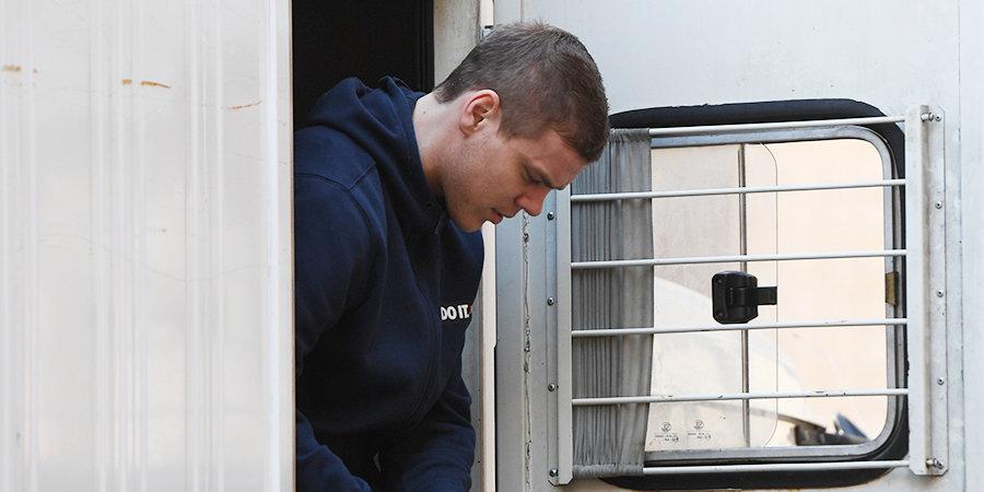 Сообщение о бомбе, эвакуация и показания побитого водителя. Как прошел третий день суда над Кокориным и Мамаевым