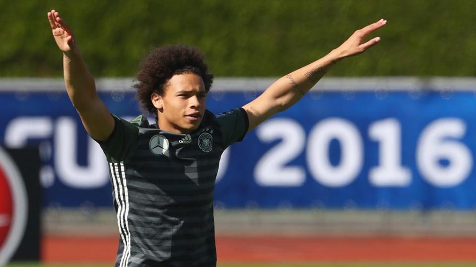 Рио Фердинанд: «Лучшего молодого игрока сборной Германии отправили на пляж вместо ЧМ!»