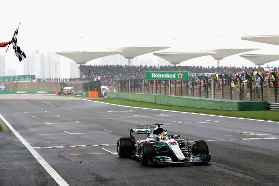 «Мерседес» не планирует уходить из «Формулы-1»