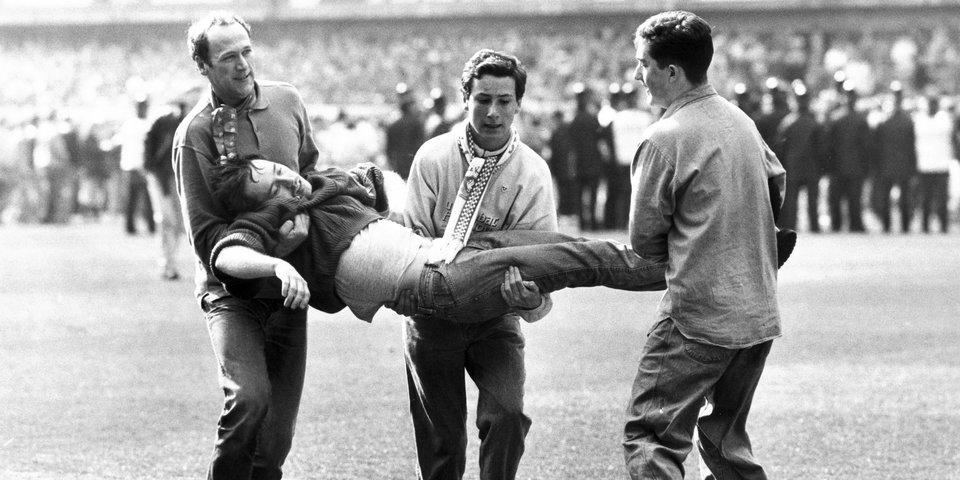 «Молчание равносильно трусости и малодушию». 30 лет кошмару на «Хиллсборо», который изменил английский футбол