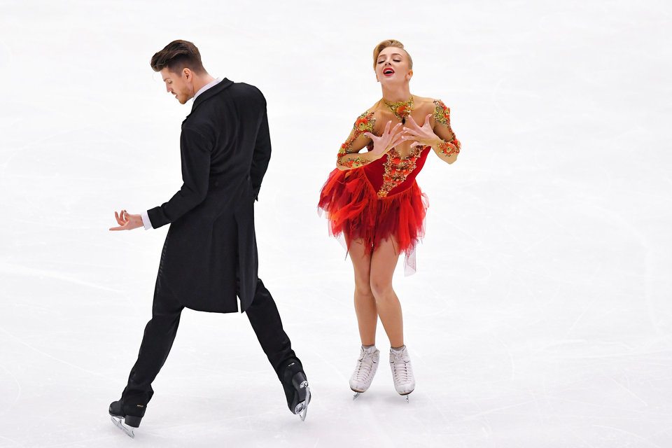 Степанова и Букин поставили ритм-танец под хип-хоп и блюз