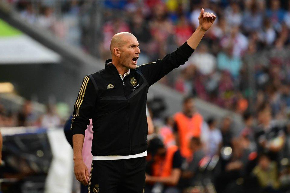 Зидан может быть уволен из «Реала» в случае проигрыша «Галатасараю» в ЛЧ