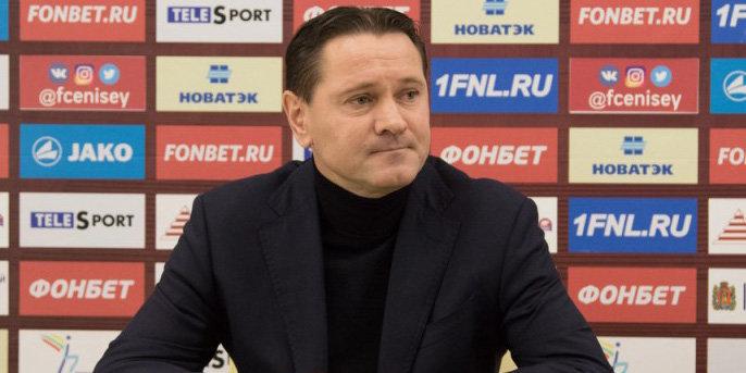 Аленичев провел подготовку «Енисея» к Новому году, научив футболистов готовить «Оливье»