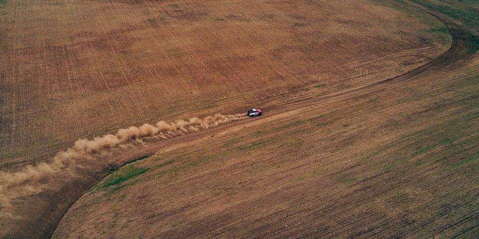 Пилот команды «Форд» удивился своей скорости на 4-м этапе «Шелкового пути»