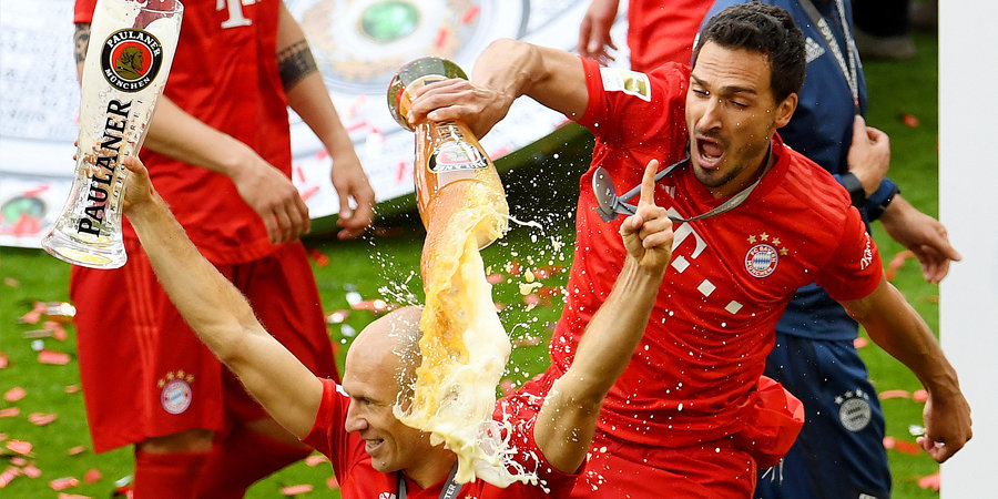 «Бавария» стала чемпионом и попрощалась с двумя легендами. Много голов и слез. Видео прилагается
