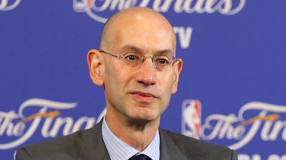 Глава НБА призвал команды нанимать больше женщин