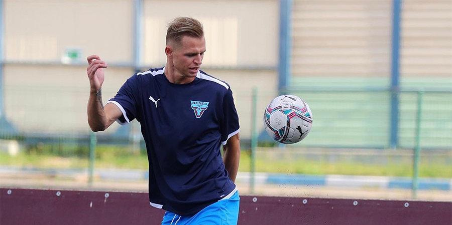 «Алания» разгромила «Тектильщик», дебютный гол Тарасова не помог «Велесу» обыграть «Акрон»