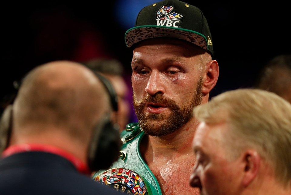 Глава UFC сообщил о заинтересованности экс-чемпиона по боксу перейти в смешанные единоборства