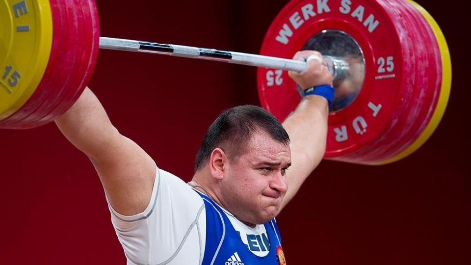 Пять российских тяжелоатлетов отстранены от соревнований из-за проблем с допингом