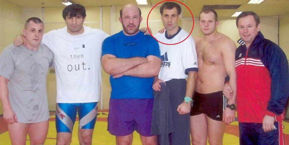 «Год Федор прожил в общежитии мясокомбината». Тренер, с которым Федор Емельяненко прошел 17 боев