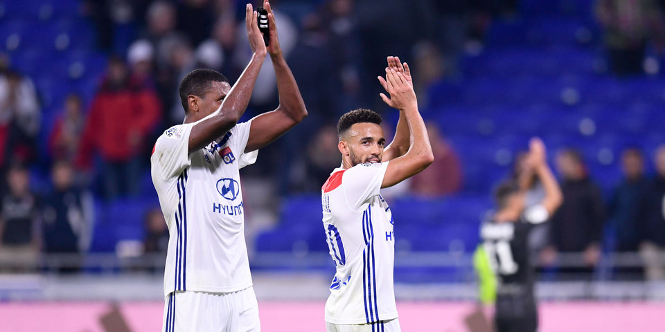 «Лион» обыграл «Сент-Этьен» и поднялся на второе место в чемпионате Франции
