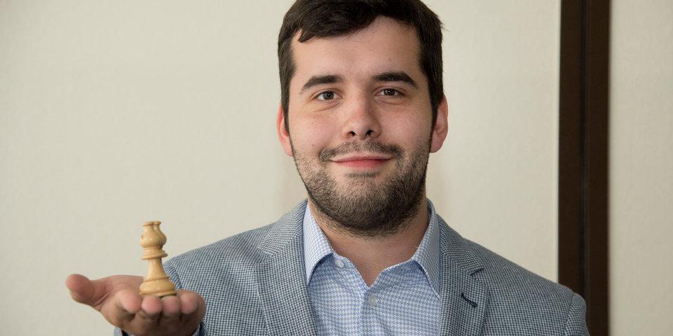 Непомнящий победил Ароняна в первой игре на Гран-при ФИДЕ в Москве
