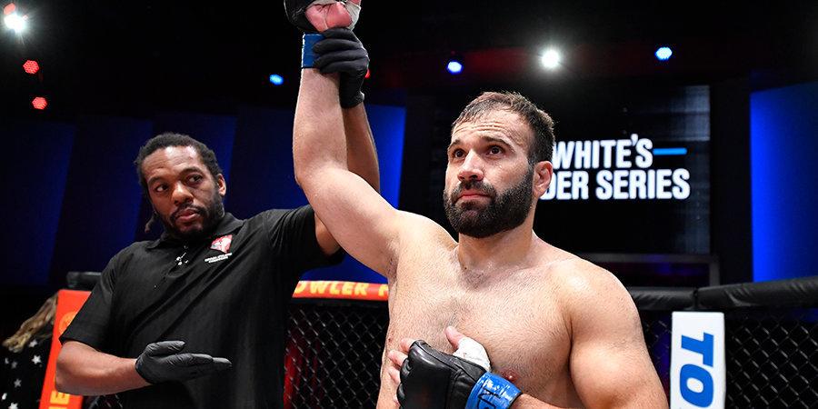 Российский боец Мурзаканов нокаутировал Шеффила и подписал контракт с UFC