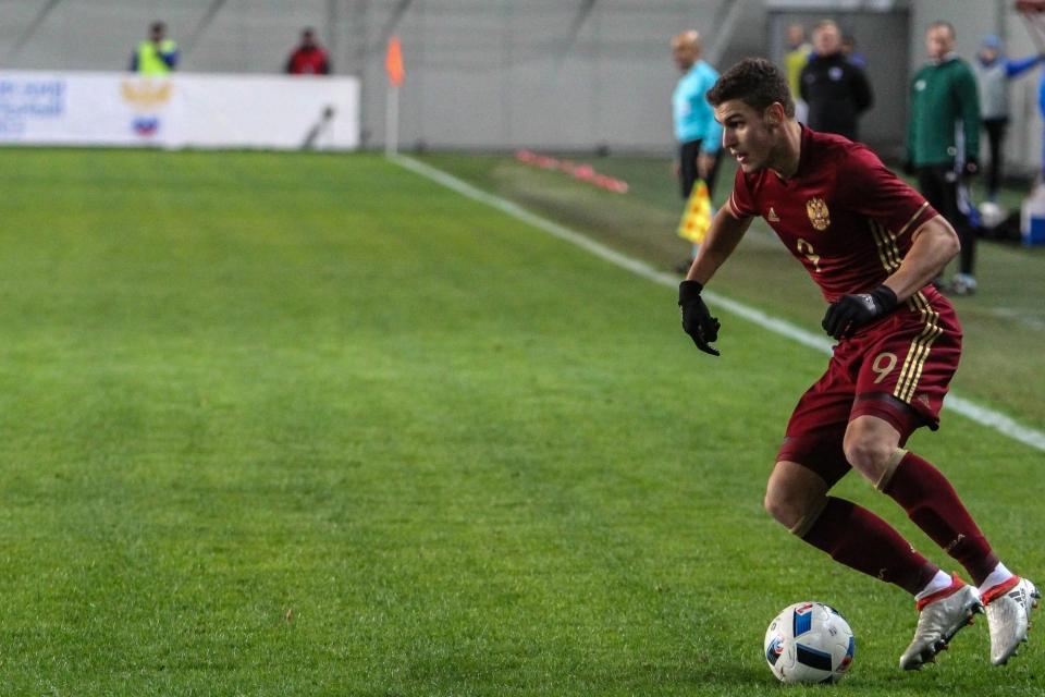 Чалов и Гасилин помогли молодежной сборной России разгромить Белоруссию
