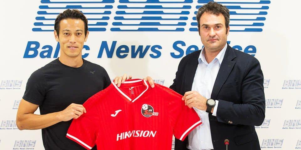 Хонда из ЦСКА продолжает путешествовать — поиграл уже в 10 странах и забивал на 6 континентах. Новый клуб японца из Литвы