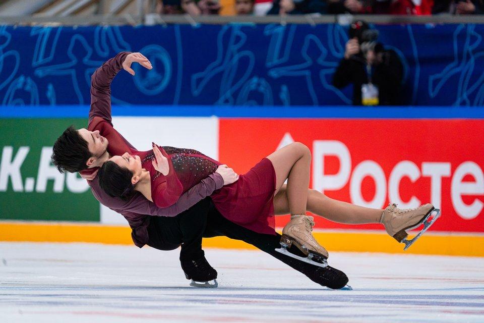 Худайбердиева и Базин выиграли первый этап КР в танцах на льду