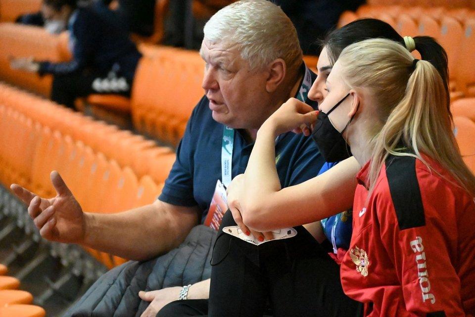 Евгений Трефилов: «Почему я не подсказывал во время матча против Франции? Без комментариев»