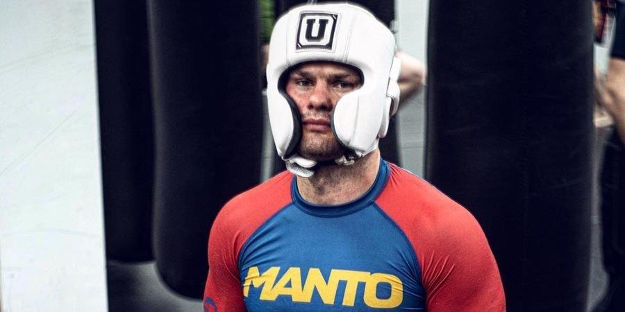 Дмитрий Бикрёв досрочно победил Гайти Дазаева и защитил титул чемпиона AMC Fight Nights