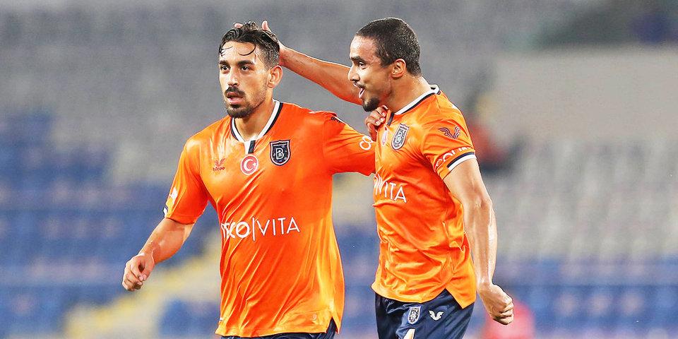 Футболисты «Истанбул Башакшехир» не будут доигрывать матч с «ПСЖ»
