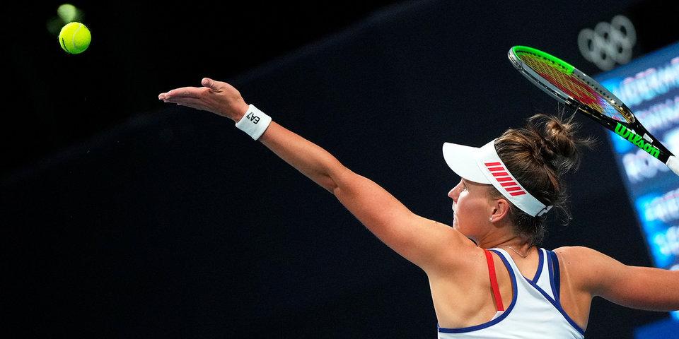 Кудерметова проиграла Рыбакиной и не смогла пройти в четвертьфинал турнира в Чикаго