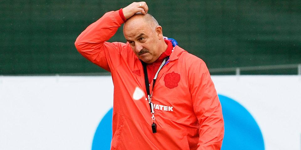Черчесов выступил перед тренерами, сдающими экзамен на лицензию Pro