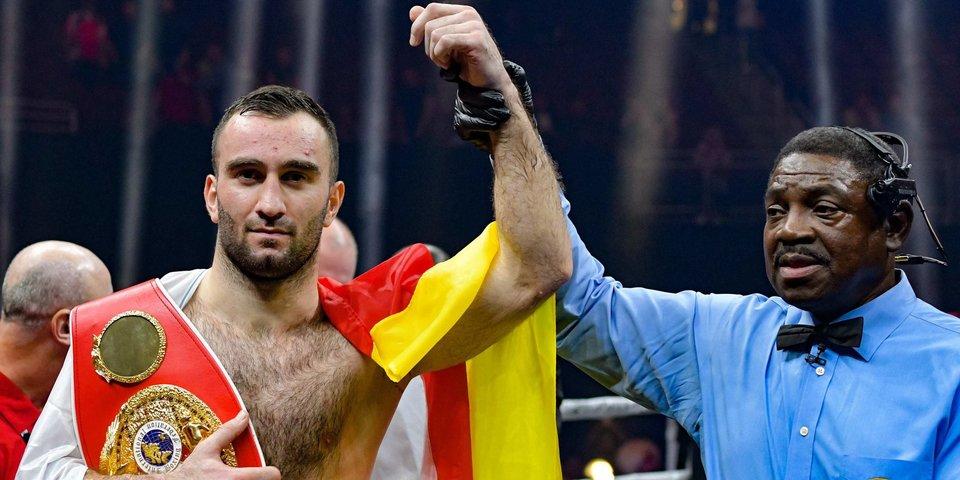 В российском боксе новый супергерой. Танцы, драки и печень - в истории Мурата Гассиева