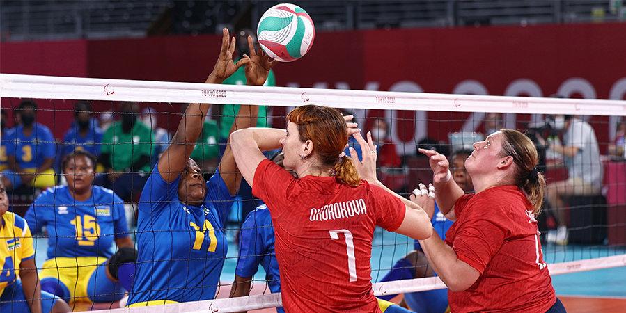 «У нас есть пособие, мы к ним готовимся». Волейболистка Окорокова и тренер Овсянников — о матче с американками