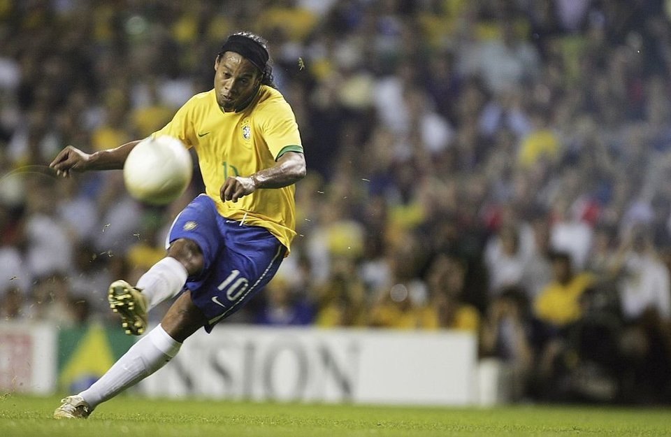 Сын Роналдинью скрыл свое происхождение при просмотре в бразильском клубе